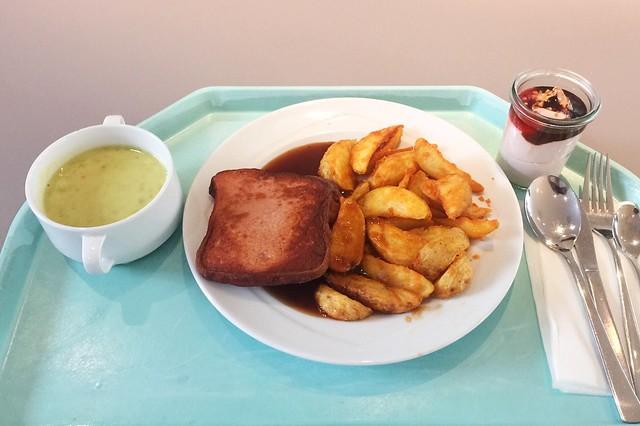 Erbsencremesuppe + Leberkäse mit Country Potatoes[11.02.2020]