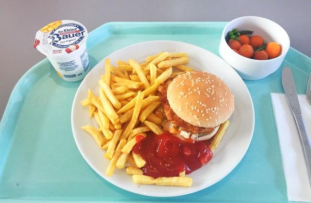 Hähnchen Burger mit Pommes Frites [11.03.2020]