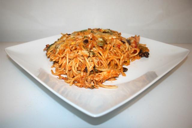 Cremiger Hähnchen-Spaghetti-Auflauf mit hausgemachter Salsa