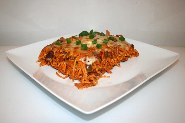 Überbackene Spaghetti mit Bohnen & Paprika in Hackfleisch-Tomatensauce – das Rezept
