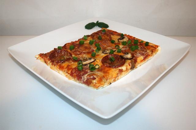 Hausgemachte Pizza – ein Resteverbrauch