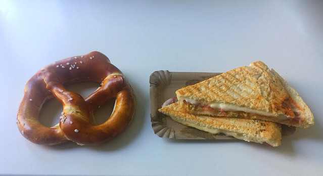 Butterbrezel & Salami-Pizzafladen [08.07.2020]
