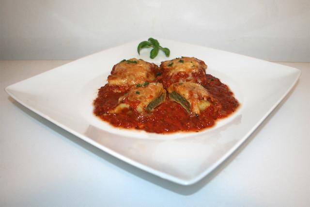 Überbackene Maultaschen in würziger Tomatensauce – das Rezept