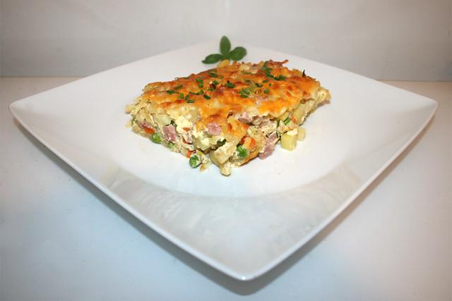 Kartoffel-Nudel-Auflauf mit Schinken & Gemüse – das Rezept