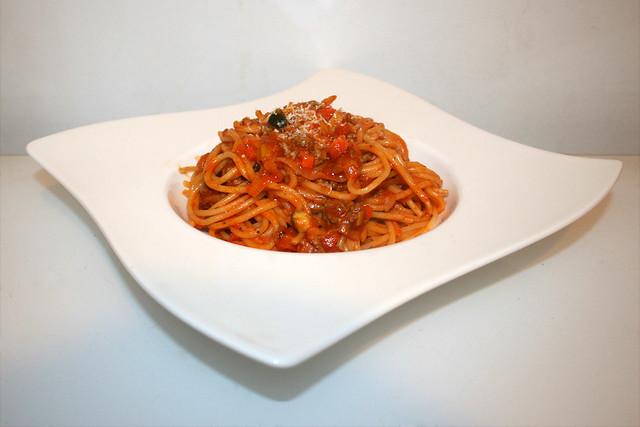 Spaghetti in Gemüse-Hackfleisch-Sauce – das Rezept