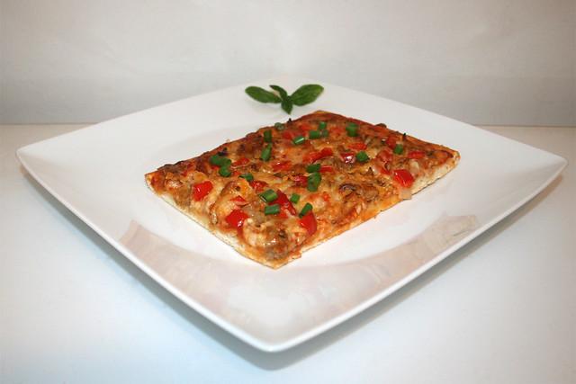 Gyros-Paprika-Zwiebel-Pizza – das Kurzrezept